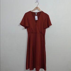 H&M Rust colored satin midi dress 🧡
